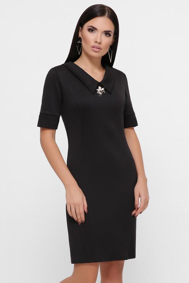Приталенное платье с брошью, черное PL-1799A