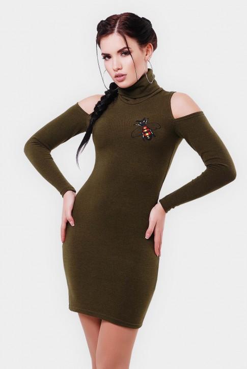 Оливковое платье-миди с вырезами на плечах (фото 2)