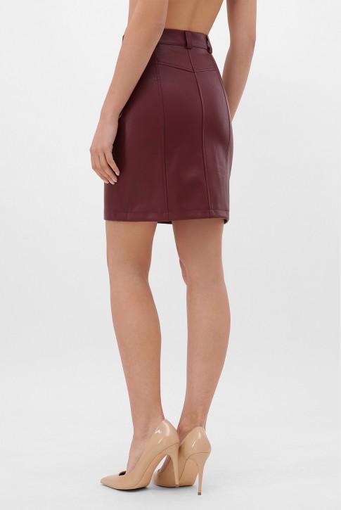 Бордовая кожаная юбка с косой молнией. YUB-1075B (фото 2)