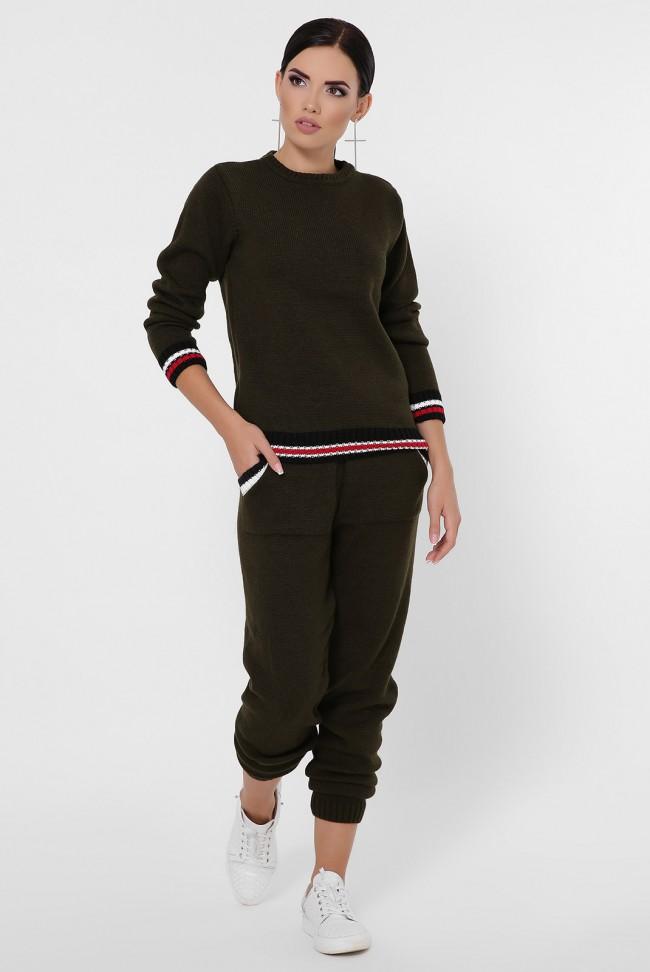 Женский вязаный костюм с цветными манжетами, темно-оливковый KSE0005