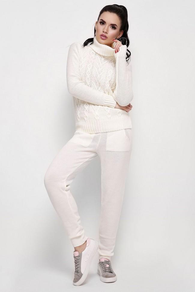 Молодежный вязаный костюм двойка: свитер со штанами