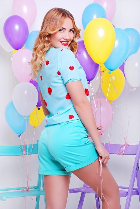 Голубая блузка с вышивкой (фото 2)