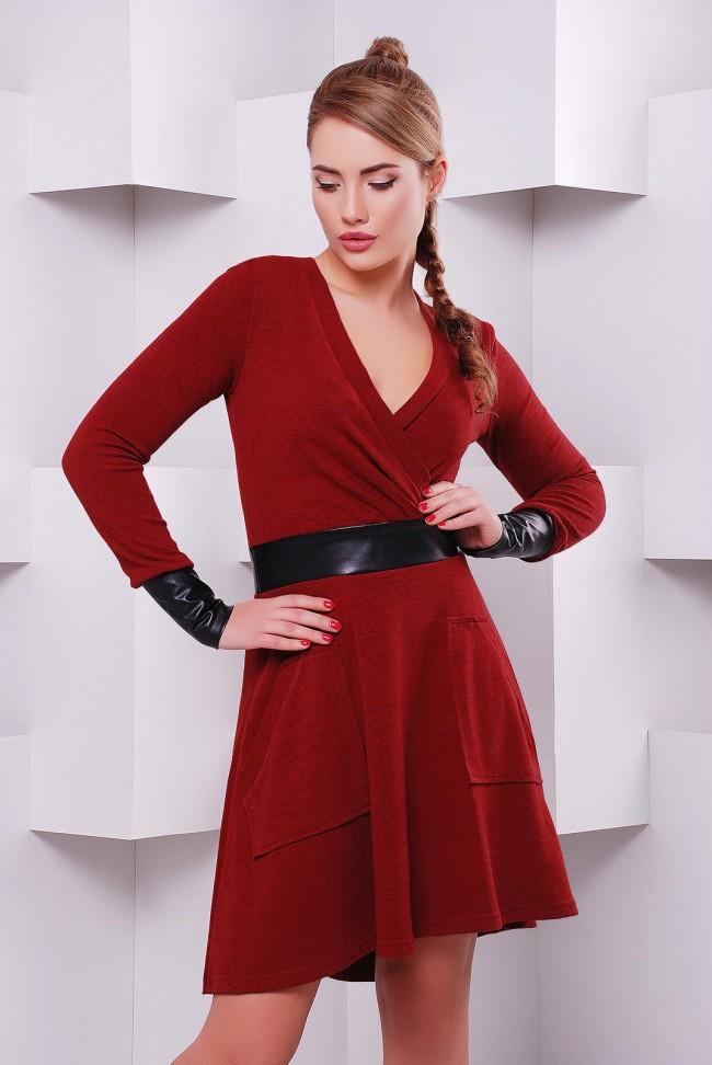 Платье длины миди цвета бордо (марсала) с запахом PL-1396C