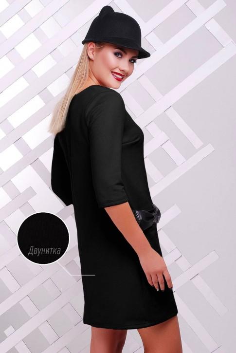 Черное платье с кожаными бантиками