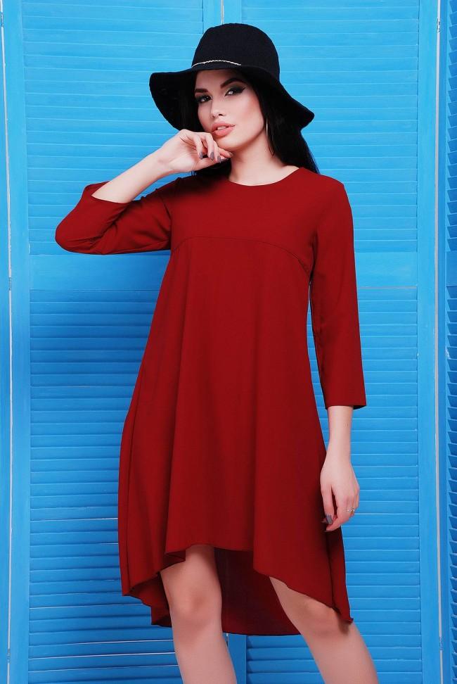 Шифоновое платье со шлейфом бордового цвета