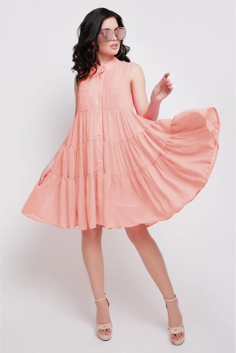 Платье персикового цвета полуприталенное