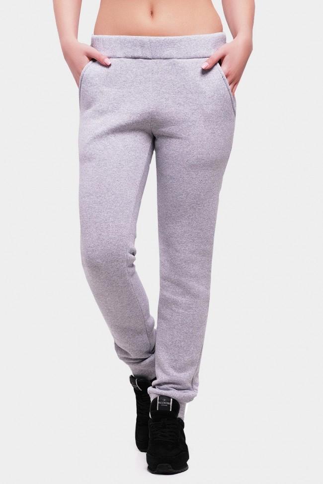 Утепленные штаны из трехнитки с карманами. Цвет: светло-серый