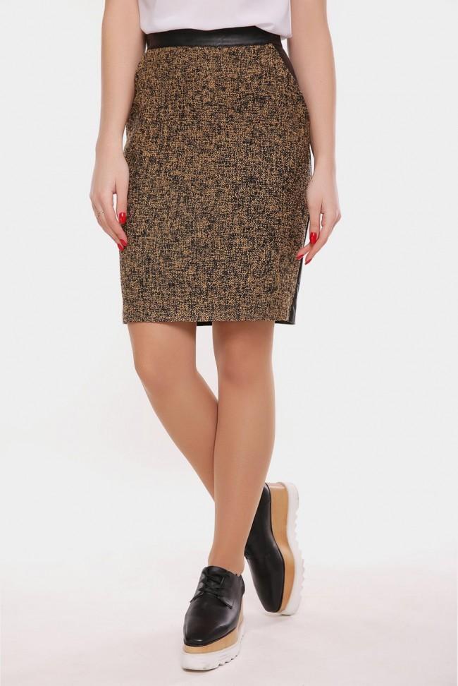 Горчичная юбка из твида и экокожи