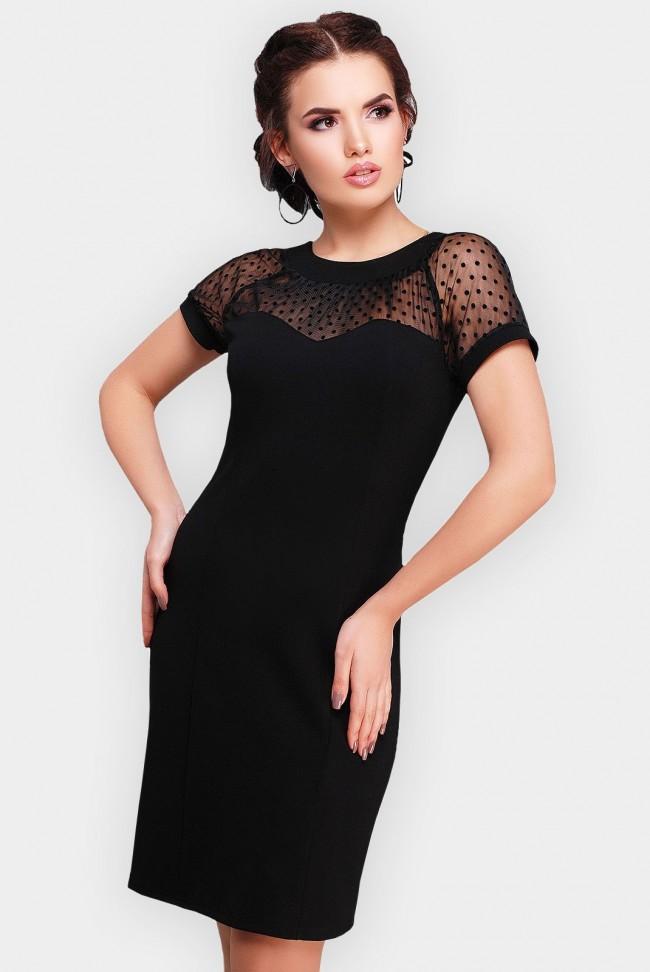 Облегающее черное платье сеткой и открытой спиной