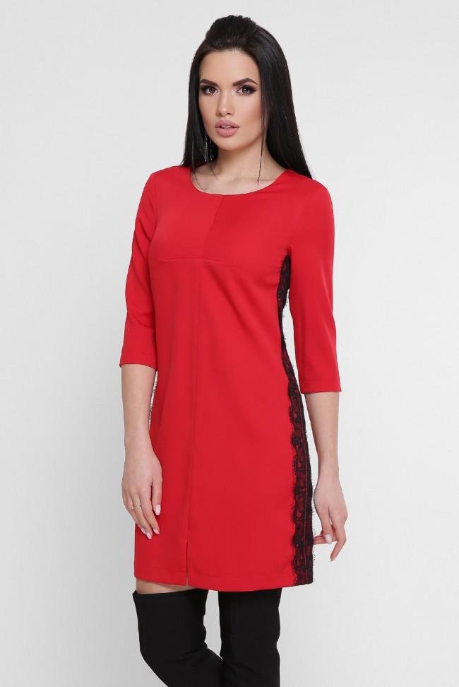 Короткое красное платье с черным гипюром. PL-1756A