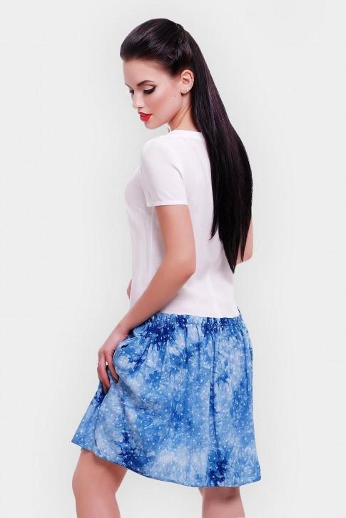 Короткое летнее платье с белым верхом и синим низом. PL-1499A